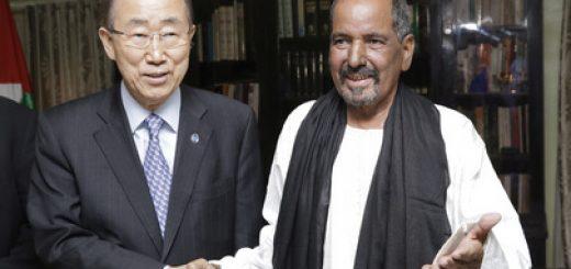 FN:s generalsekreterare Ban Ki-moon mötte Västsaharas president Mohamed Abdelaziz 5 mars i flyktinglägren. UN Photo Evan Schnieder